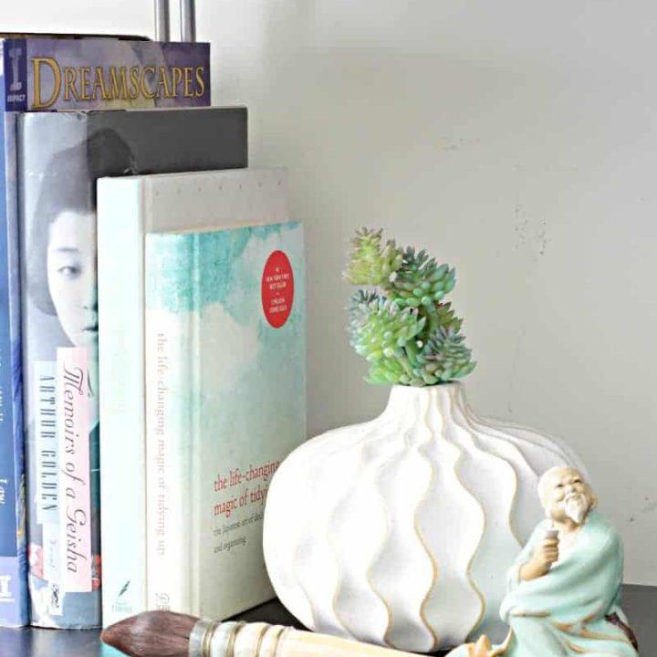 A bookshelf declutter with KonMari method