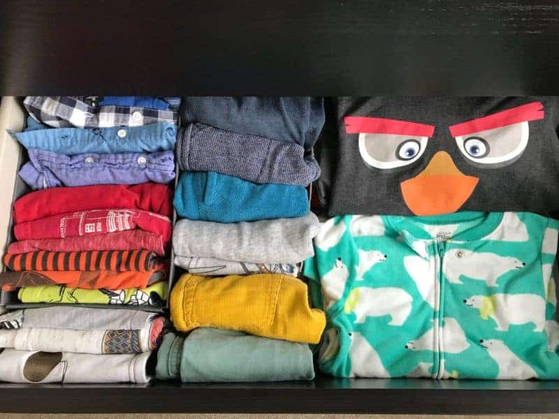 Folding and storing clothing vertically with KonMari