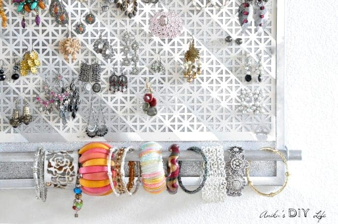 DIY organizer to hang earrings and bracelets