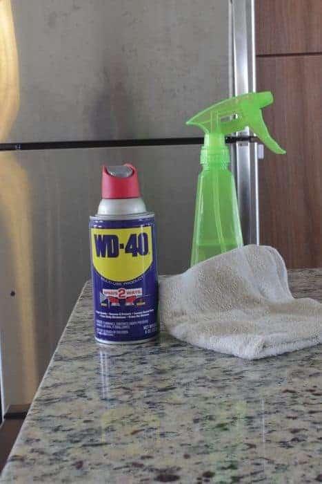 Fournitures de nettoyage pour l'acier inoxydable