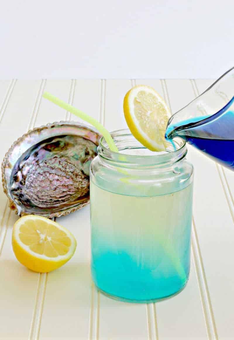 Slowing pouring mermaid lemonade