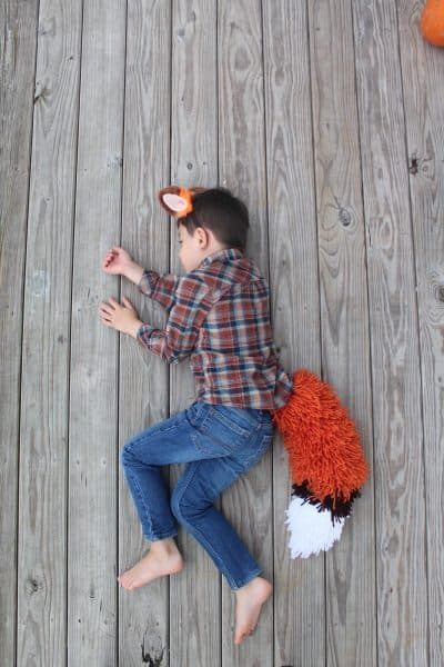 How to Make a Fox Tail Out of Yarn [With Pictures]