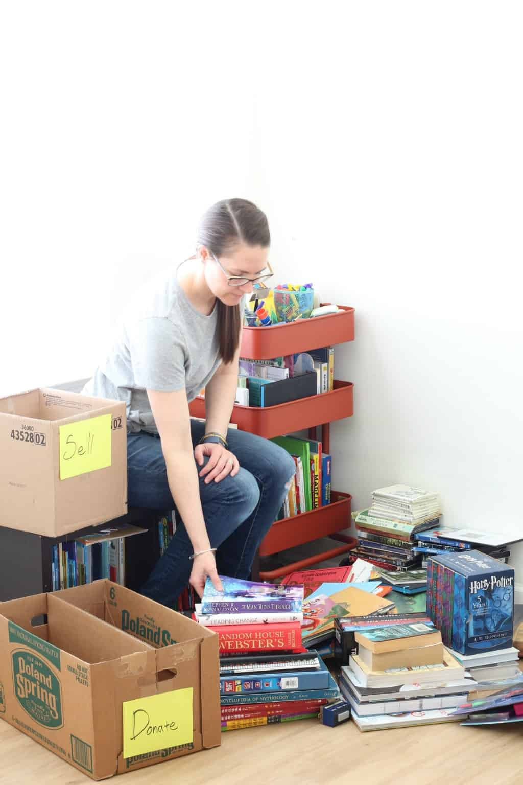 A minimalist mom extreme decluttering books