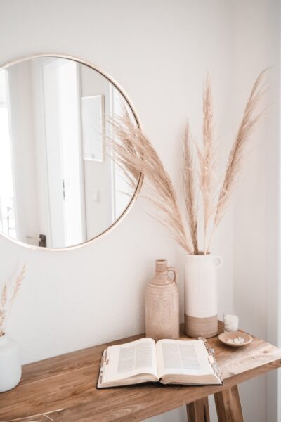 A minimal apartment decorate in a simple boho style